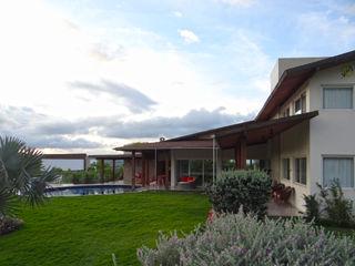Arquitetura Sônia Beltrão & associados Landhaus Holz Weiß