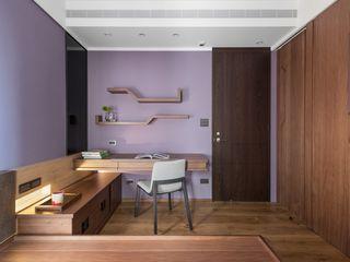 牆面上簡單的書架層 宸域空間設計有限公司 牆面 Purple/Violet