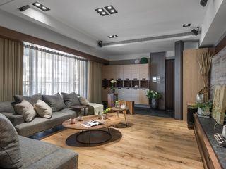 宸域空間設計有限公司 Salas de estar clássicas Cinza