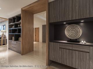Hi+Design/Interior.Architecture. 寰邑空間設計 Коридор, прихожая и лестница в модерн стиле