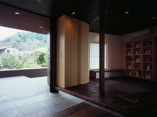 松岡淳建築設計事務所 Asian corridor, hallway & stairs