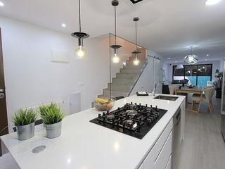 Novodeco 置入式廚房 White