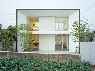 松岡淳建築設計事務所 Modern houses