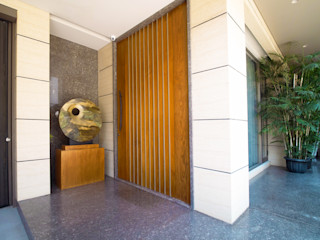 Residence - PIK Bobos Design pintu depan Kayu Lapis