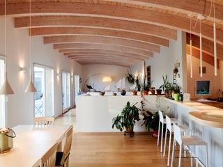 Appartamento PC Studio Ecoarch Soggiorno moderno