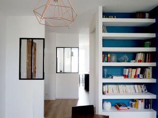 Rénovation d'un appartement Aix en Provence Sarah Archi In' Couloir, entrée, escaliers modernes