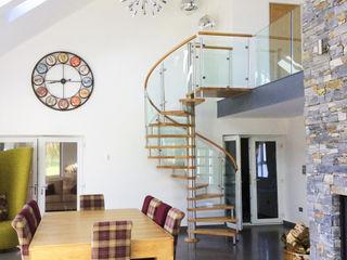 Modern Spiral Staircase Antrim Complete Stair Systems Ltd モダンデザインの ダイニング