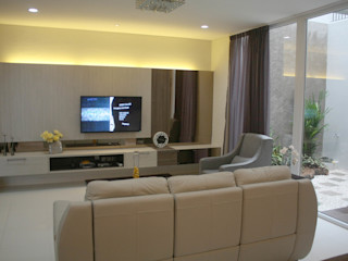 Rumah Raffles Hills Cibubur Exxo interior Ruang Keluarga Modern