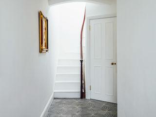 De Beauvoir House Neil Dusheiko Architects Modern Corridor, Hallway and Staircase