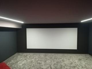 Projection Dreams / CUSTOM CINEMA 360 LDA Медиа комнатаЭлектронные приборы МДФ Белый