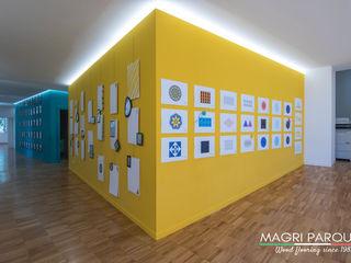 Magri Parquet Modern corridor, hallway & stairs Engineered Wood Yellow