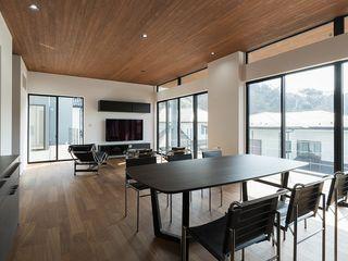 株式会社横山浩介建築設計事務所 Comedores modernos