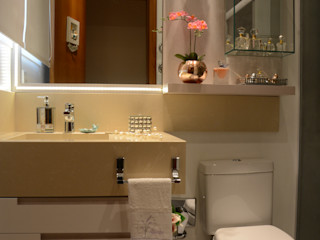 Graça Brenner Arquitetura e Interiores Casas de banho modernas MDF Branco