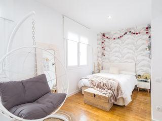 Estudi Aura, decoradores y diseñadores de interiores en Barcelona Modern style bedroom White