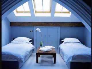 A House in St Saviours Church, Knightsbridge, London 4D Studio Architects and Interior Designers 모던스타일 침실