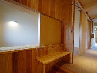 マンションリノベーション:取手市 木とバリアフリーの住まい K+Yアトリエ一級建築士事務所 和風の 玄関&廊下&階段