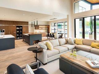 Interior design STAAC Moderne Wohnzimmer Beige