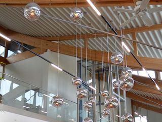 Skapetze Lichtmacher Modern offices & stores Glass Metallic/Silver