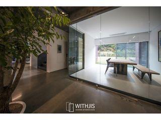 WITHJIS(위드지스) Escritórios Vidro Transparente