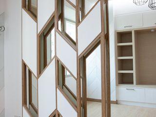 Custom Sliding Panel, Living Area Structura Architects