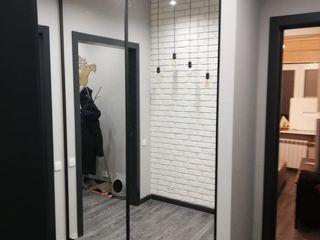 Raumplus Flur, Diele & TreppenhausKleiderständer und Garderoben