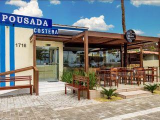 Arquitetura FPA Hoteles de estilo tropical Madera maciza Acabado en madera