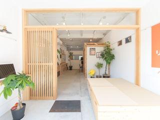 coil松村一輝建設計事務所 Oficinas y tiendas de estilo ecléctico