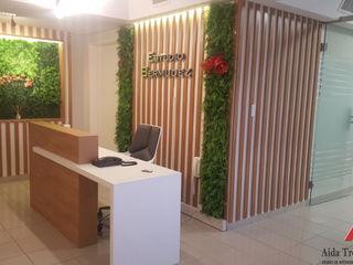 Aida tropeano& Asociados Modern corridor, hallway & stairs