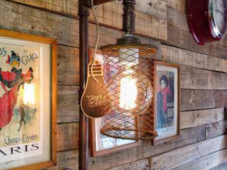 Lamparas de Pared de Diseño Industrial Vintage Argentina Vieja Eddie Lamparas Vintage Vieja Eddie Paredes y pisosDecoración de paredes Hierro/Acero Ámbar/Dorado