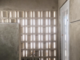 FE RENOVATION Gubah Ruang Kamar Mandi Modern Beton Grey