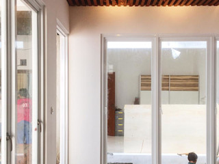 FE RENOVATION Gubah Ruang Kamar Tidur Modern Batu Bata Wood effect