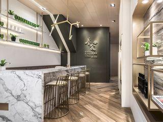養食 Living-a-better-life Organic Grocery 理絲室內設計有限公司 Ris Interior Design Co., Ltd. 餐廳 塑木複合材料 Multicolored
