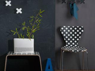 Creativando Srl - vendita on line oggetti design e complementi d'arredo Minimalistyczny korytarz, przedpokój i schody Płyta MDF Czarny