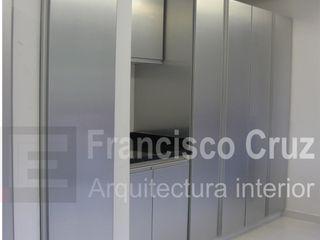 Francisco Cruz Arquitectura Interior Built-in kitchens Aluminium/Zinc Grey