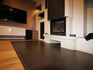 Agence ADI-HOME Ruang Keluarga Modern Keramik White