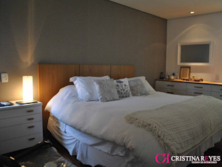 Cristina Reyes Design de Interiores BedroomBeds & headboards