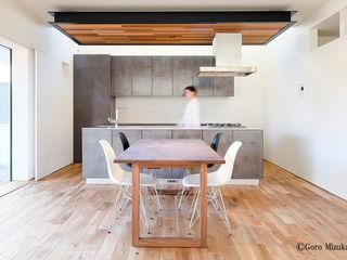 H Residence 海が望める家 一級建築士事務所 Atelier Casa オリジナルデザインの キッチン
