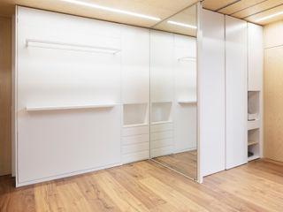 Eseiesa Arquitectos ミニマルスタイルの 寝室 白色