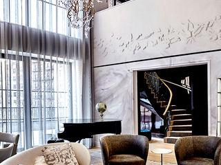 Joe Ginsberg Design Modern living room Grey