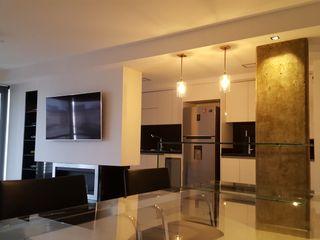 MONARQ ESTUDIO Modern dining room Glass White