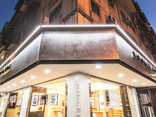 顛覆傳統並充滿視覺享受的眼鏡舖 On Designlab.ltd 玻璃門