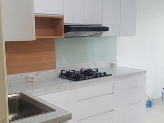 Tatami design Built-in kitchens White