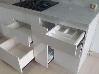 Tatami design Built-in kitchens