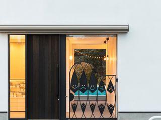 小さな店舗のある住宅 OUCHI-39 石川淳建築設計事務所 木造住宅 白色