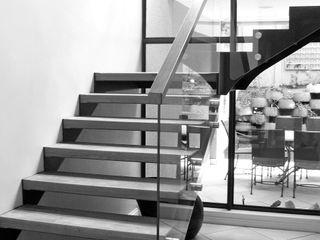 REIS Corridor, hallway & stairsStairs الحديد / الصلب