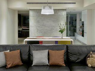 直方設計有限公司 SoggiornoDivani & Poltrone Nero
