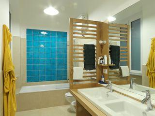 Daniele Arcomano Modern bathroom Ceramic