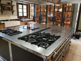 Cocina en vivienda unifamiliar en Galicia MAQUINARIA PINAR SL Cocinas integrales