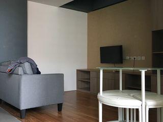indra firmansyah architects Salas de estilo minimalista