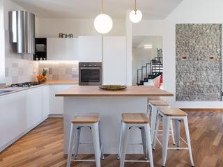 La cascina in città B+P architetti Cucina moderna